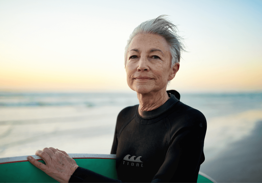 woman with surfboard, how to be fearless