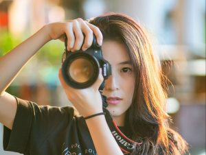 woman with camera, hobbies for women