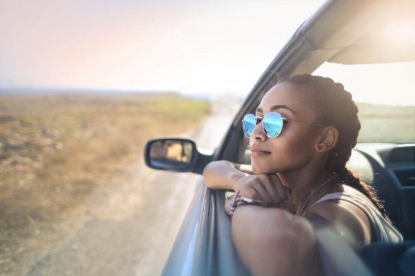 girl traveling, how to be happy