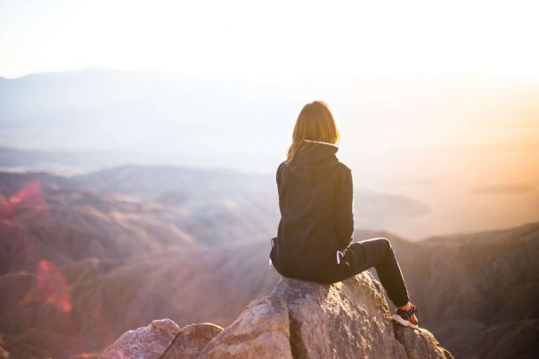 woman at sunset, how to believe in yourself