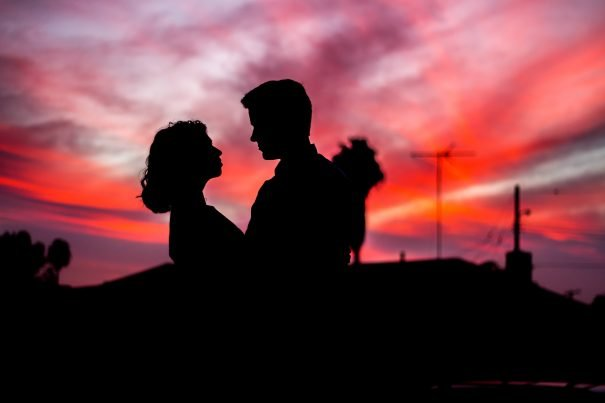 couple at sunset, relationship quizzes