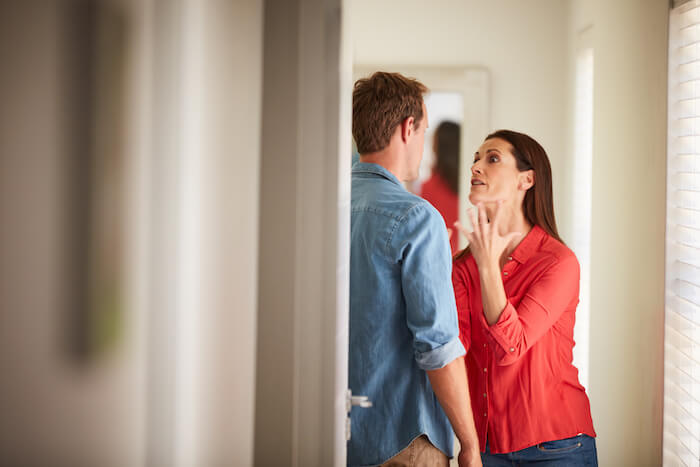 woman yelling at man effects of emotional abuse