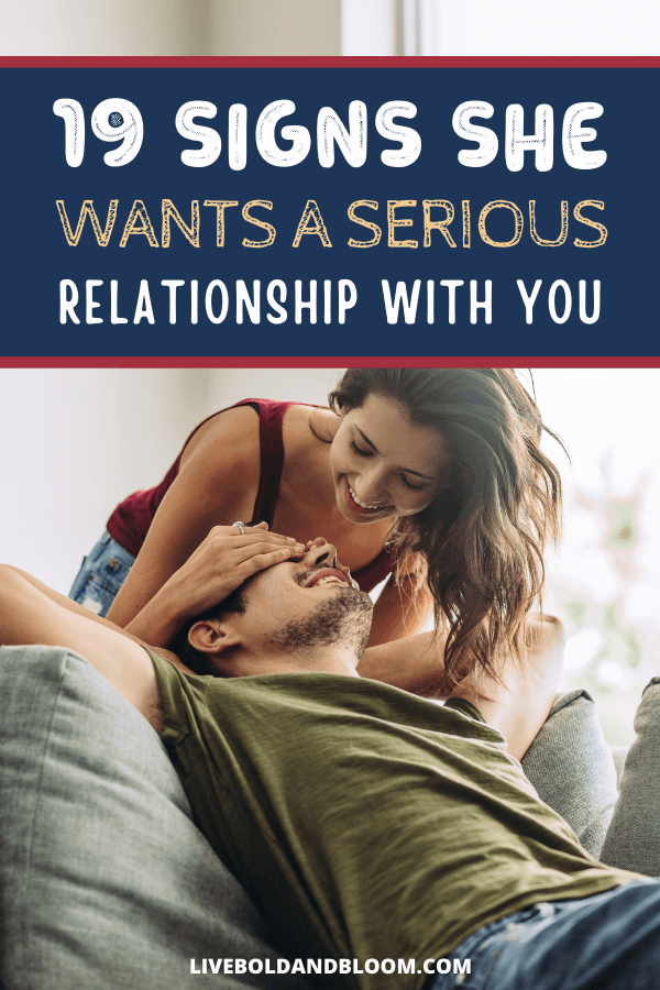 You've been dating for a while now. And you enjoy the time you spend with her. But if she's been giving signs she wants to be your girlfriend, you may not be sure how to recognize them.  signs she wants a relationship | serious relationship